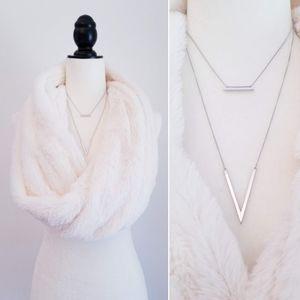BP✨2 ITEM LOT✨Faux Fur Infinity Scarf+Necklace